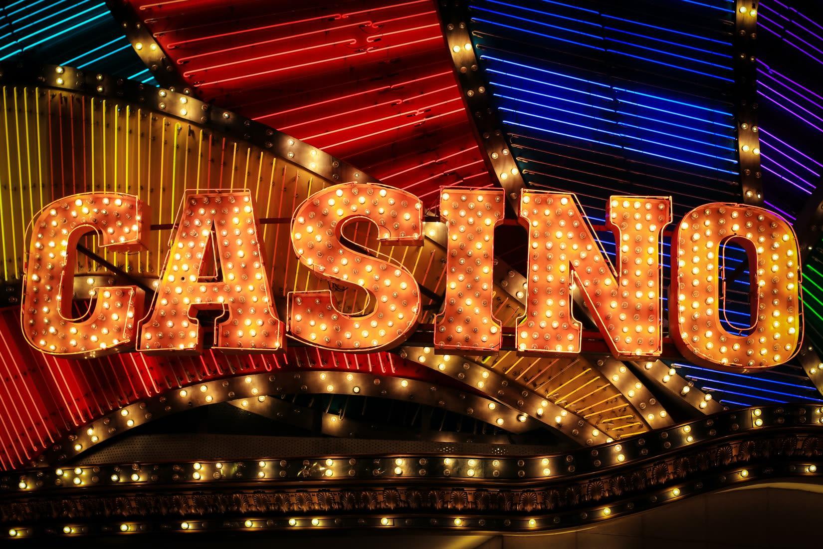 Ego Casino - Um Superstar Up-an-Coming